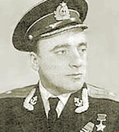 БАТИЕВСКИЙ Алексей Михайлович (р. 1921) Лётчик, философ, афорист